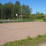 Beach volley- ja koripallokenttä